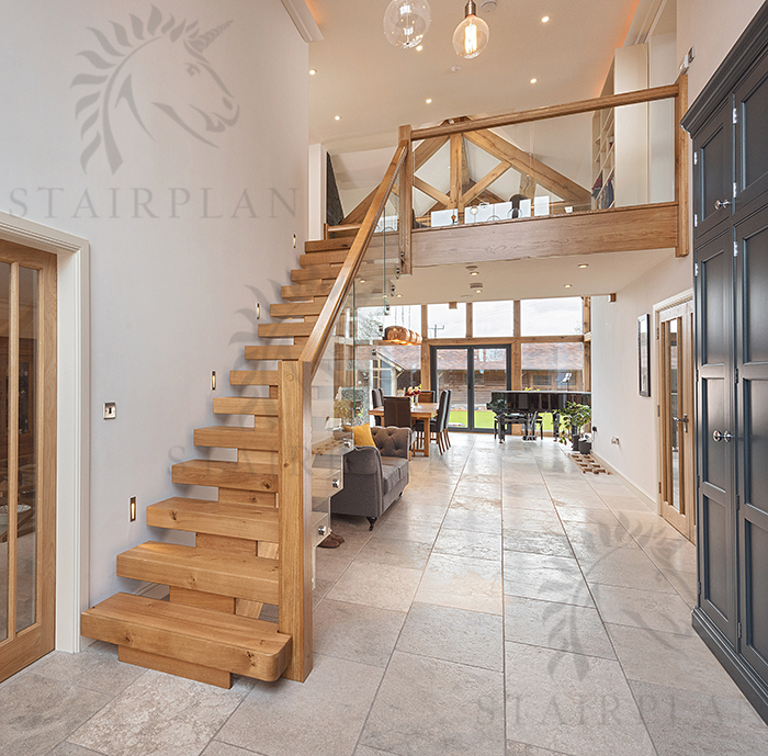 Incroyable X Vision Oak Straight Staircase
